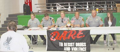 Bloomsdale Elementary Recognizes D.A.R.E. Graduates