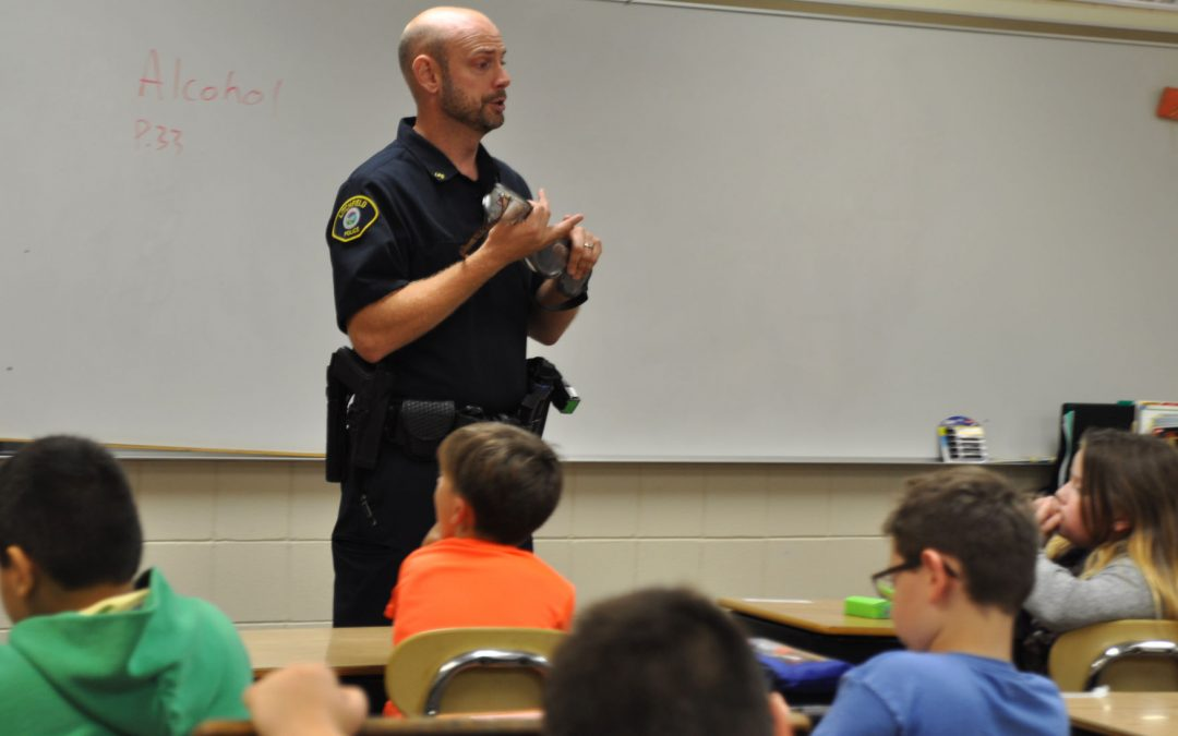D.A.R.E. Connects Students and Law Enforcement