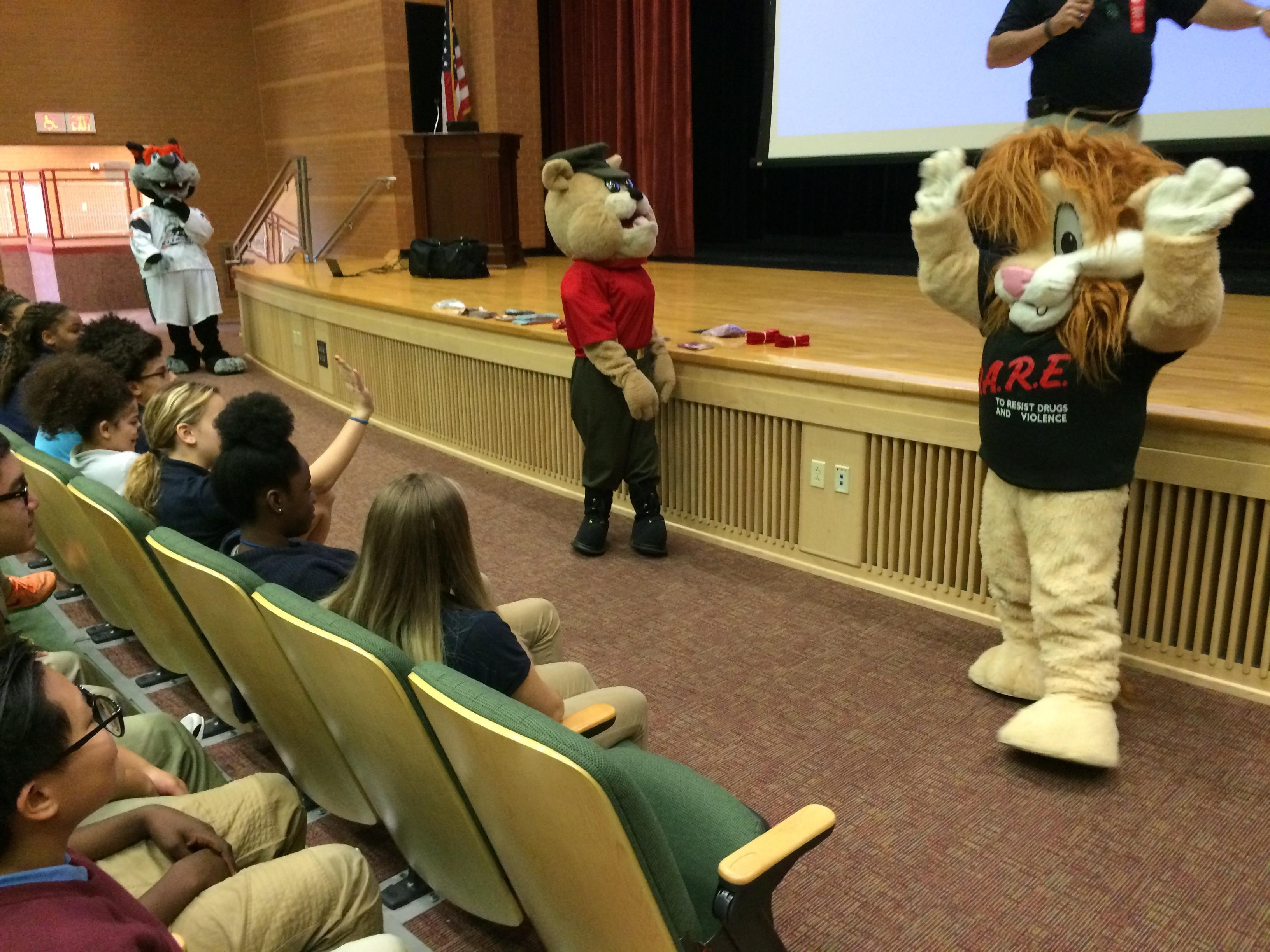 Kelly Middle Students Rally Against Drugs