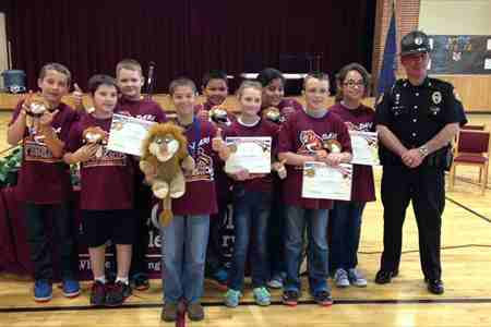 Students Complete D.A.R.E Program