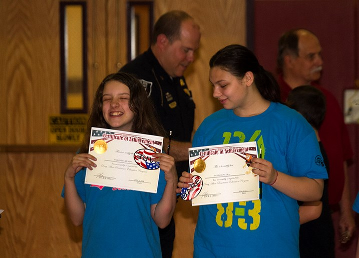 Sidney Fifth-Graders Graduate from D.A.R.E.
