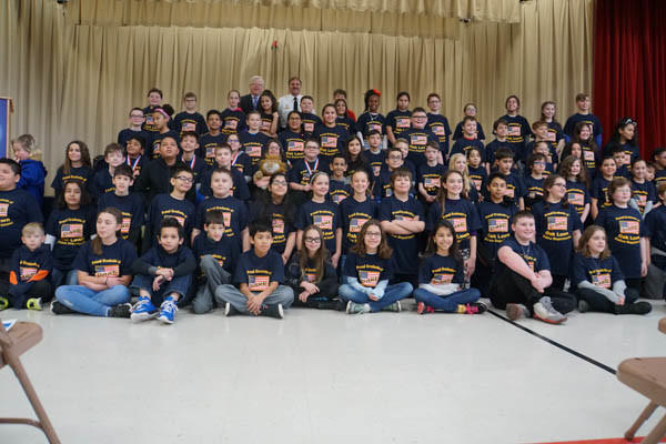 District 123 Students D.A.R.E. to Resist Drugs and Violence