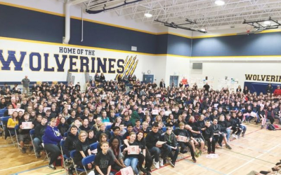 Over 400 Students Graduate from D.A.R.E Program