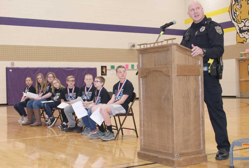 'D.A.R.E.-ing' Students to Avoid Drugs and Alcohol