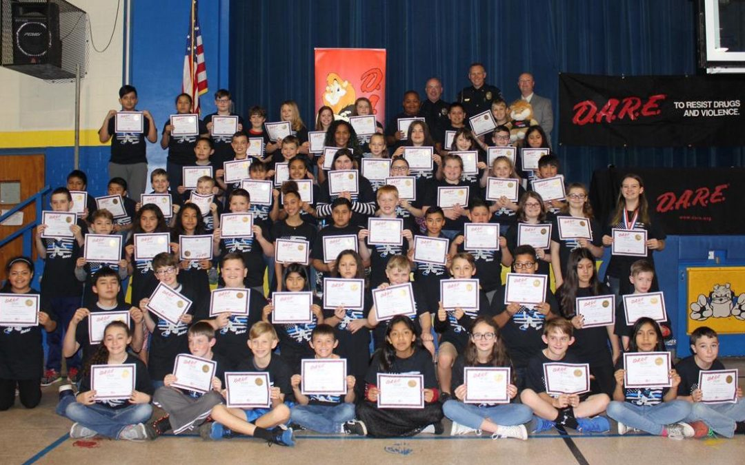 D.A.R.E. To Be Great: Marion Fifth Graders Complete 10-week Program